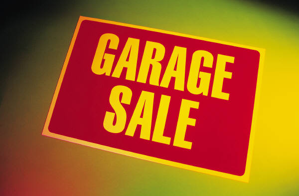 Garage sale for Becoming minimalist home